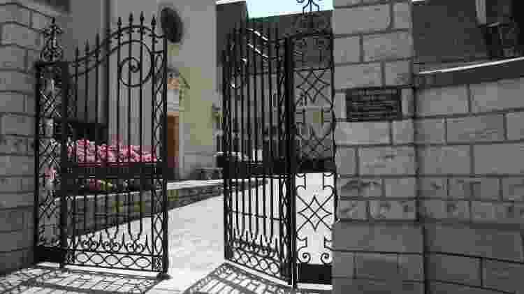 Entrada para o mundo subterrâneo das Caves Patriarche, na Borgonha - Divulgação/Caves Patriarche