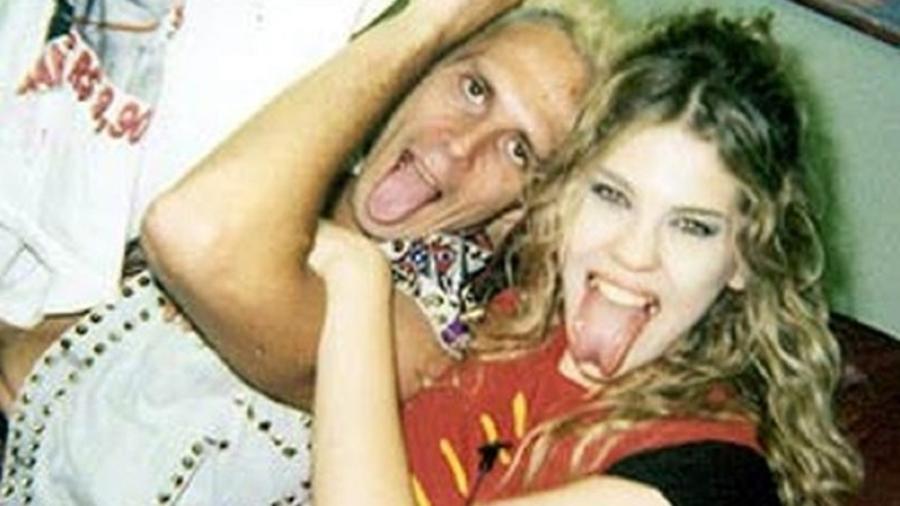 Supla e Bárbara Paz na Casa dos Artistas (2001) - Reprodução
