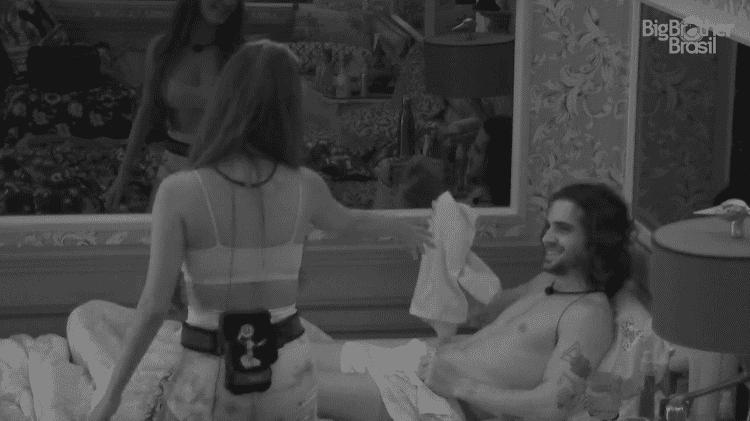 BBB 21: Fiuk e Thaís no quarto colorido  - Reprodução/Globoplay - Reprodução/Globoplay
