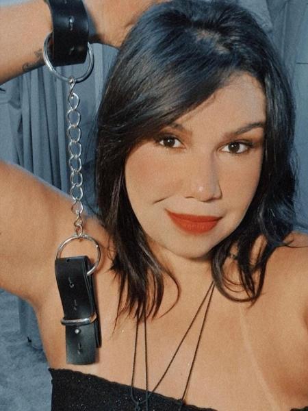 Leticia Almeida usou a cadeira erótica - Divulgação/Arquivo pessoal