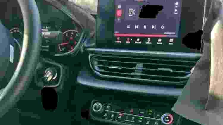 Cabine do Fiat Pulse traz painel semelhante e saídas de ar diferentes na comparação com o Argo - Reprodução/Carro Arretado - Reprodução/Carro Arretado