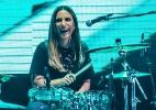 Convidada, Ivete Sangalo toca bateria durante gravação de DVD dos Raimundos - Manuela Scarpa/Brazil News