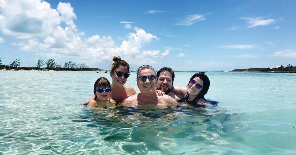 Roberto Justus férias com filhos