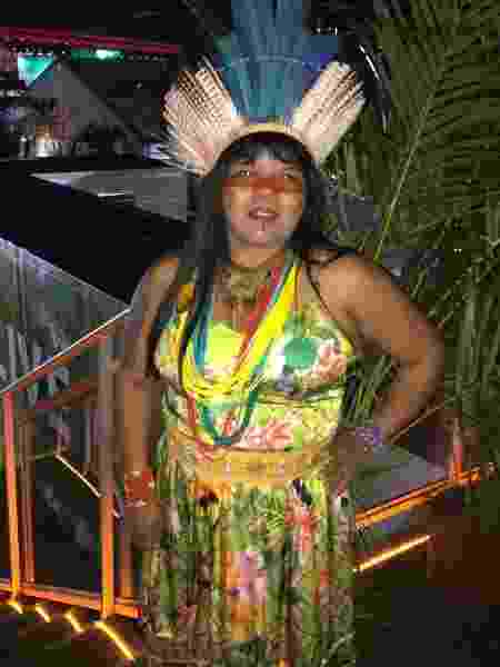 A índia Sonia Bone Guajajara nos bastidores do Rock in Rio 2017 - Felipe Branco Cruz/UOL