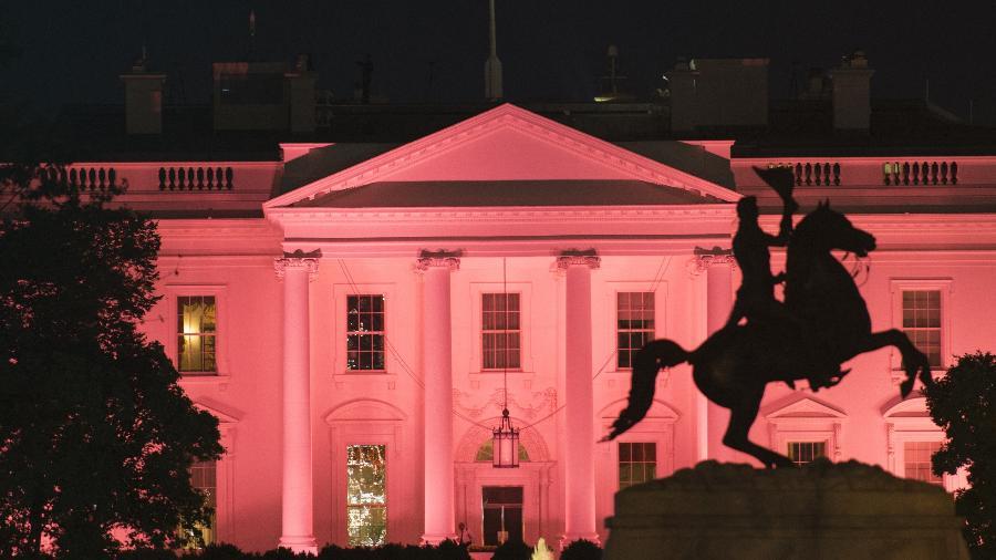 A Casa Branca mudou de cor em homenagem ao Outubro Rosa - Andrew Caballero-Reynolds/AFP