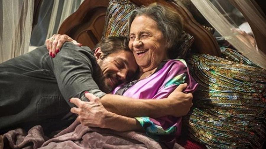 """Rafael Cardoso tieta Laura Cardoso nos bastidores de """"O Outro Lado do Paraíso"""" - Reprodução/Instagram/rafaelcardoso9"""