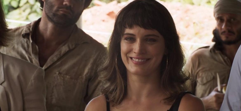 """""""Tenha uma boa noite"""", diz Clara ao ver Sophia sendo presa; web vai ao delírio - Reprodução/TV Globo"""