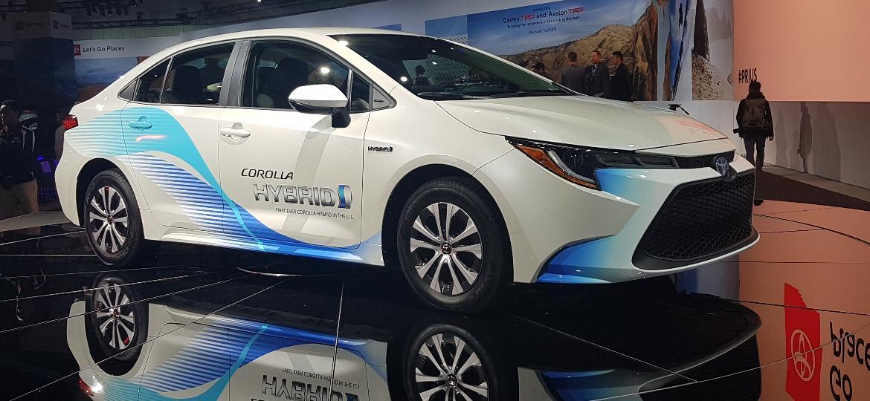 Toyota Corolla Hybrid mostrado nos EUA tem visual parecido com o futuro Corolla brasileiro - Fernando Miragaya/UOL