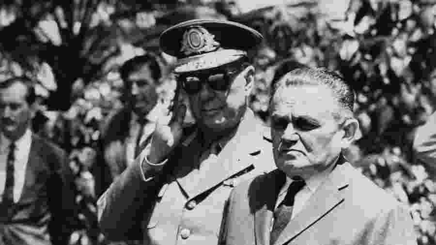 O general Humberto de Alencar Castelo Branco (à direita) - Folhapress