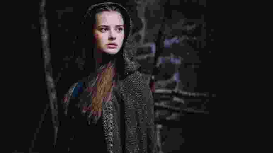 """Katherine Langford, protagonista da série """"Cursed"""", comentou que suas referências em fantasias sempre foram personagens homens - Reprodução/Twitter"""