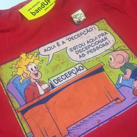 """Camiseta do Louco e broche do """"ata"""" da Mônica - Renata Nogueira/UOL"""