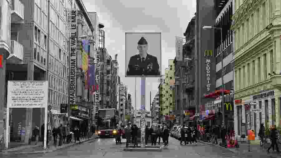 Checkpoint Charlie -  AFP