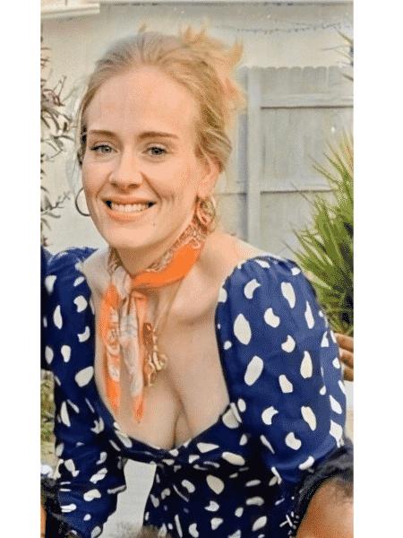 Adele durante folga no Caribe - Reprodução/Twitter