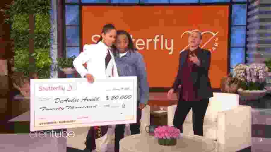 Alicia Keys doa R$85 mil para DeAndre Arnold no programa de Ellen DeGeneres - Reprodução/YouTube