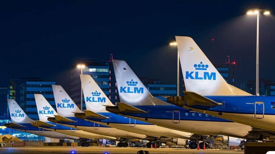 Aviões da KLM parados no aeroporto de Amsterdã - Divulgação