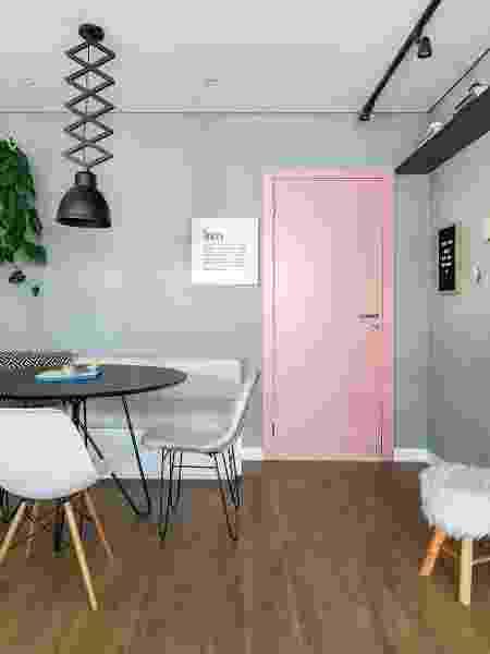 Porta colorida rosa - Reprodução/Pinterest - Reprodução/Pinterest