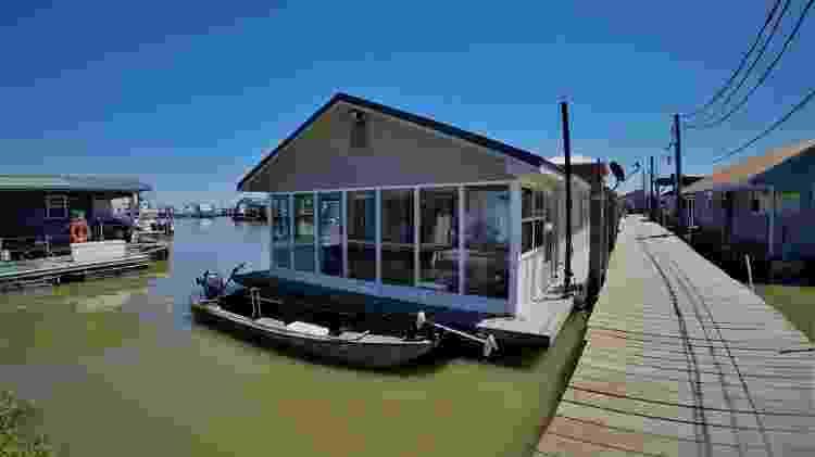 Casa flutuante nos Estados Unidos acomoda até seis pessoas  - Divulgação - Divulgação