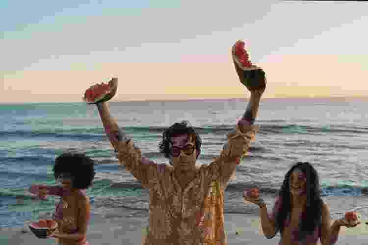 """Harry Styles no clipe de """"Watermelon Sugar"""" - Reprodução/Instagram - Reprodução/Instagram"""