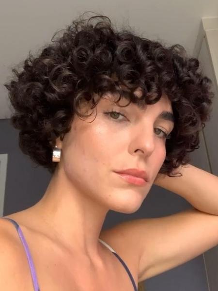 Julia Konrad disse que acnes são resultado de alteração hormonal - Reprodução/Instagram