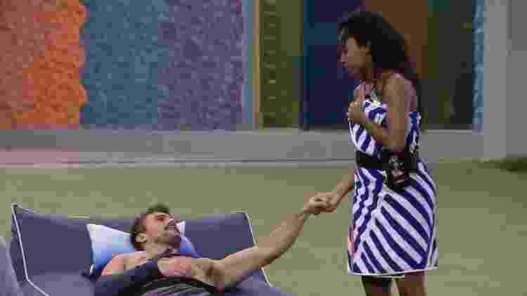 BBB 21: Arthur dá força a Lumena após eliminação de Karol - Reprodução/Globoplay - Reprodução/Globoplay