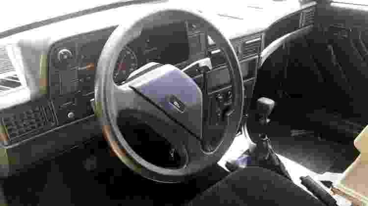Veículo é todo original e rodou menos de 60 mil km, pouco para um carro fabricado há quase 3 décadas - Arquivo pessoal - Arquivo pessoal