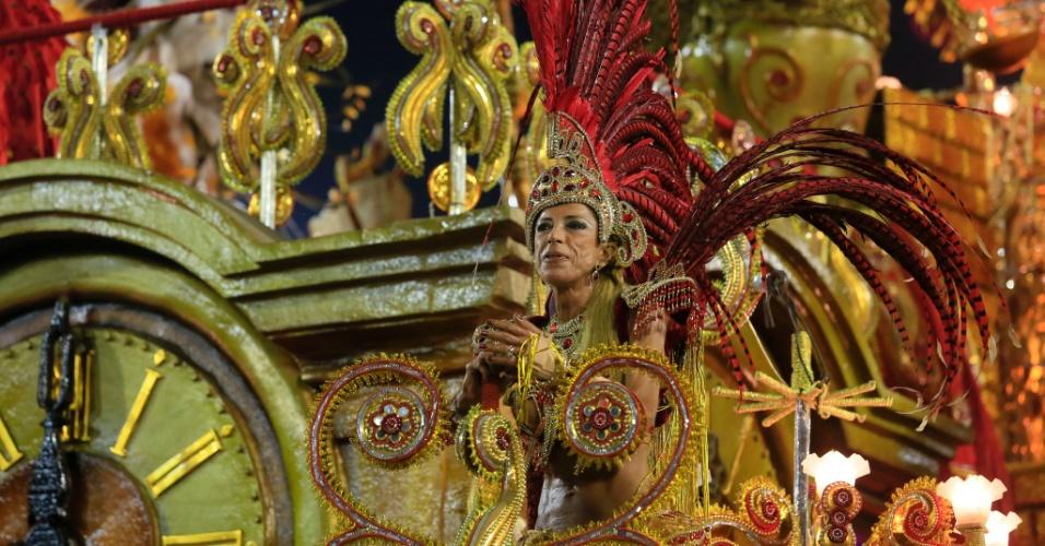 8.fev.2016 - Destaque de carro alegórico no desfile da Beija-Flor. Atual campeã do Rio abordou a história do Marquês de Sapucaí