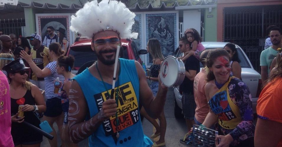 14.fev.2016 - Clima é de confraternização e despedida no encerramento do Carnaval na Vila Madalena, em São Paulo