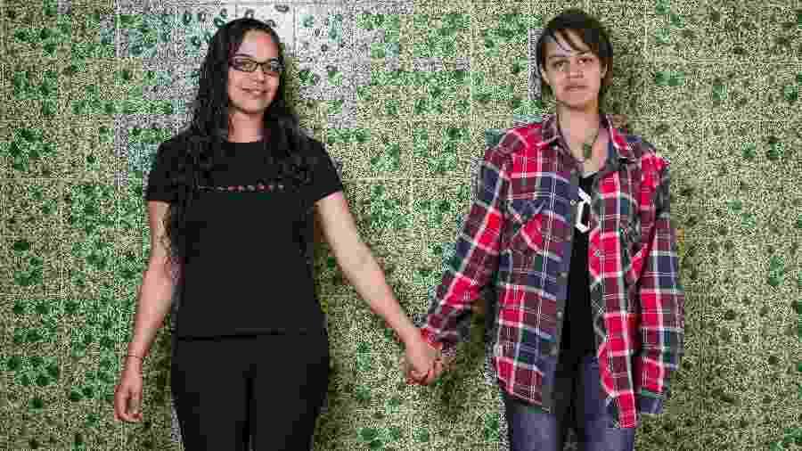 Luiza (direita), de São Paulo, tinha apenas 13 anos quando contou à mãe, Cristina, sobre sua homossexualidade - Bruno Santos/ UOL