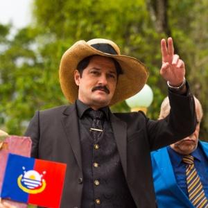 """Em """"Velho Chico"""", Carlos Eduardo se apresenta à cidade como o novo coronel Saruê - Estevam Avellar/Globo"""
