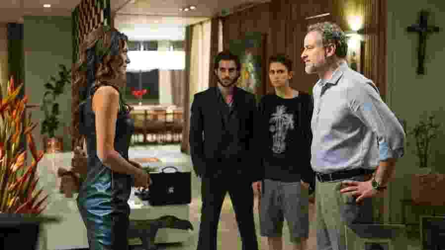 """Eugênio (Dan Stulbach) conta para Joyce (Maria Fernanda Cândido) que será pai fora do casamento em """"A Força do Querer"""" - Estevam Avellar/TV Globo"""