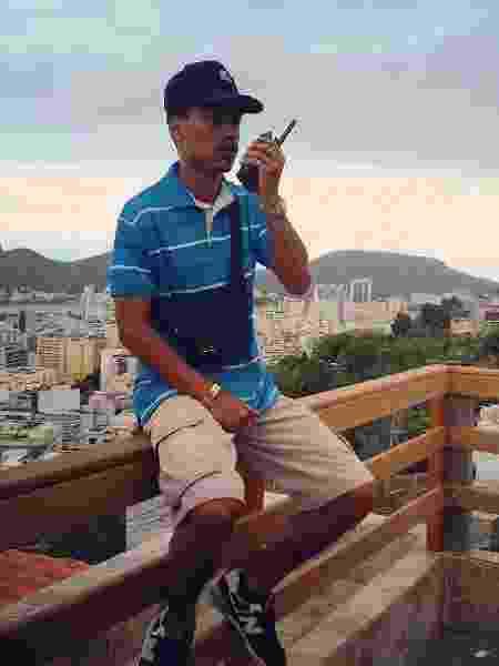 """Nathan Sena nos bastidores da gravação de """"A Força do Querer"""" na favela de Tavares Bastos, na zona sul do Rio - Arquivo Pessoal - Arquivo Pessoal"""