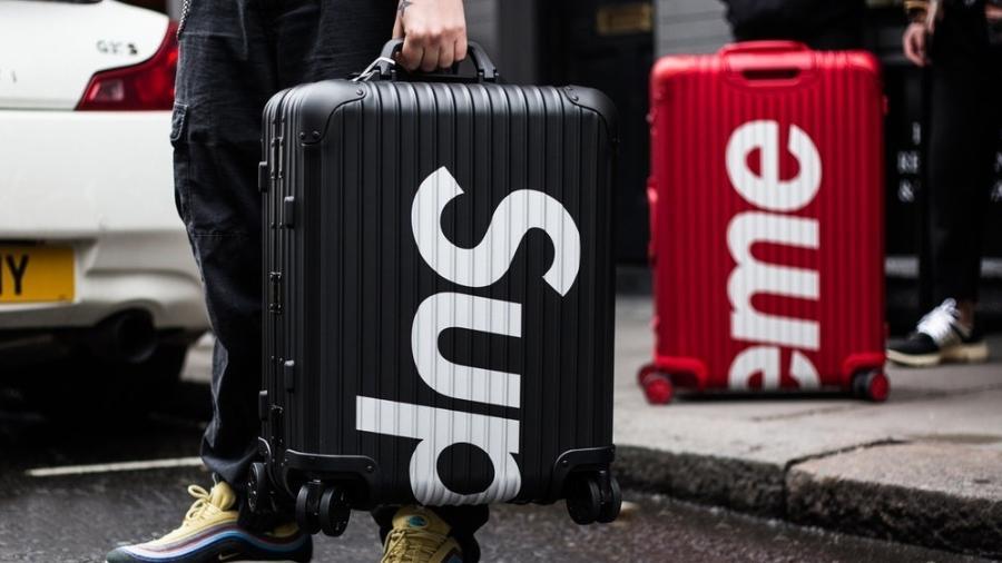 As novas malas da Rimowa em parceria com a Supreme - Divulgação