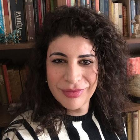 Professora Luiza Coppieters foi demitida da escola onde lecionava após se relevar transexual - Divulgação