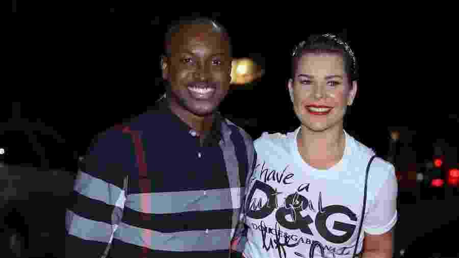 Thiaguinho e Fernanda Souza no aniversário de Luciano Huck, no início de setembro - ROBERTO FILHO / BRAZIL NEWS