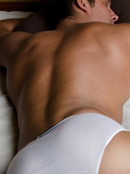 Estímulo anal feito por parceiros pode render muito prazer: como fazer? - VladOrlov/iStock