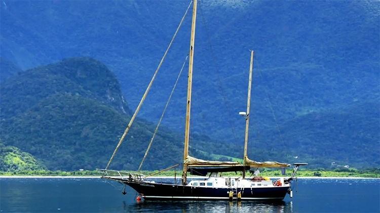 Veleiro Horizonte Azul, do capitão aposentado Michel, em Paraty - Reprodução/Airbnb