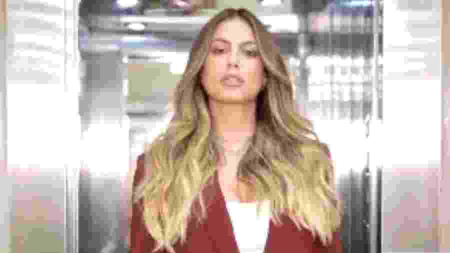 A ex-BBB Mari Gonzalez surpreendeu com as madeixas loiras nas redes sociais - Reprodução/Instagram