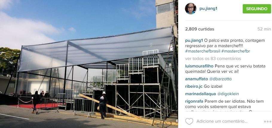 """15.set.2015 - Jiang mostra o palco que está sendo preparado, com direito a tapete vermelho, para a final do """"MasterChef"""" Brasil. """"O palco está pronto, contagem regressivo para Masterchef!!! (SIC)"""", escreveu a chinesa em seu Instagram"""
