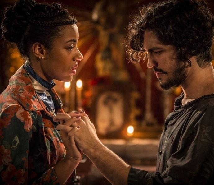 Sophie (Yara Charry) e Miguel (Gabriel Leone) se reencontram em
