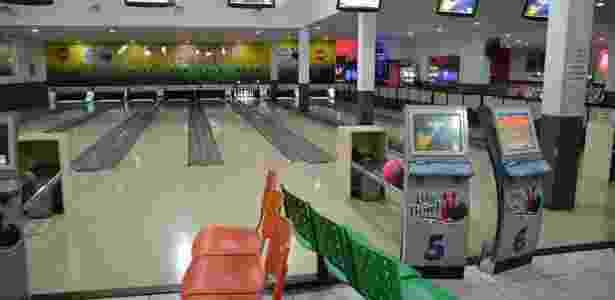 Big Bowl Curitiba, instalado no Shopping & Sports, tem 14 pistas de boliche para  garantir a diversão da criançada - Reprodução/Facebook - Reprodução/Facebook