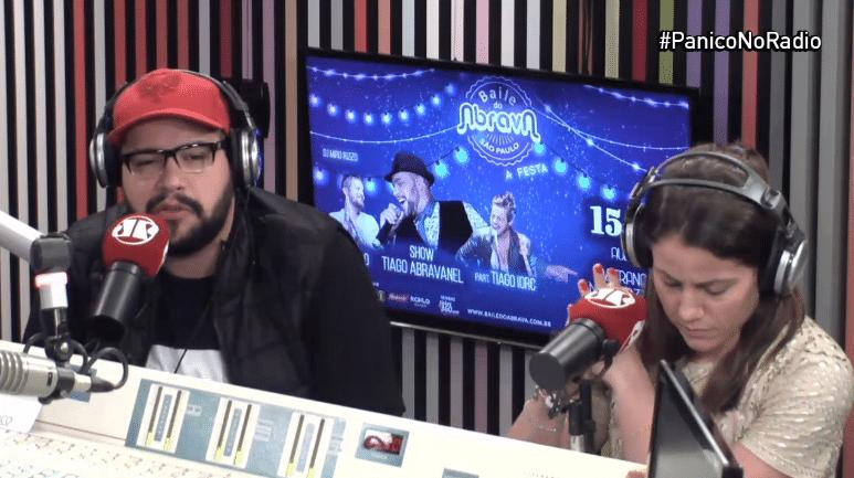 15.jul.2016 - Tiago Abravanel, neto de Silvio Santos, participa do programa de rádio