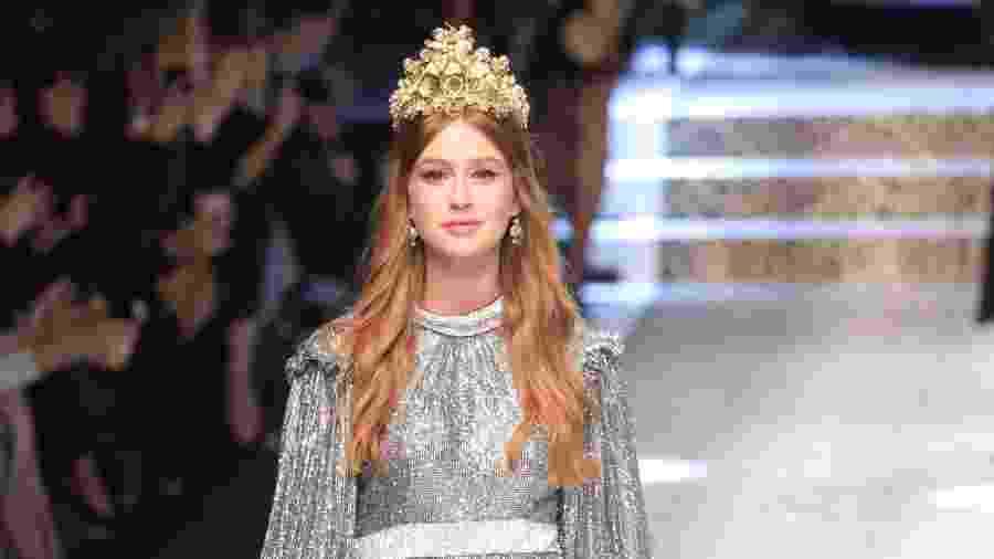 A atriz Marina Ruy Barbosa desfila para a grife Dolce & Gabbana - Getty Images