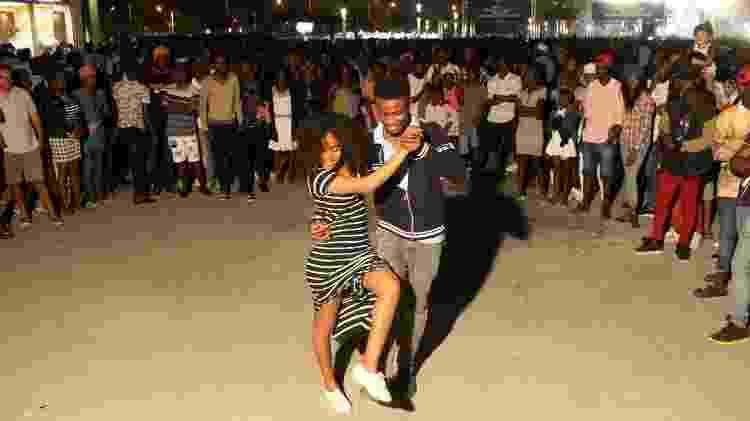Dança tomou as ruas de Luanda e vem sendo dançada no mundo - Ampe Rogerio/AFP - Ampe Rogerio/AFP