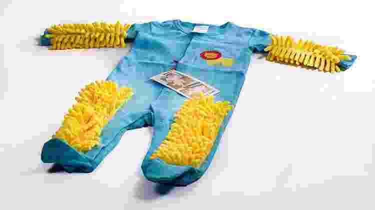 Macacão com cerdas de esfregão - Reprodução/Baby Mop - Reprodução/Baby Mop