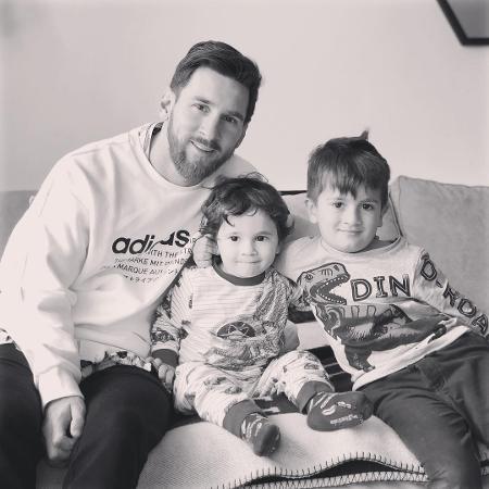 Lionel Messi com os filhos mais velhos, Mateo e Thiago - Reprodução/Instagram