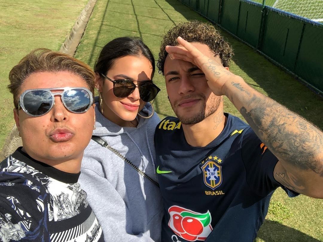 85bef8a3ff5 Bruna Marquezine consegue folga na novela e vai à Rússia ver Neymar na Copa  - 18 06 2018 - UOL TV e Famosos