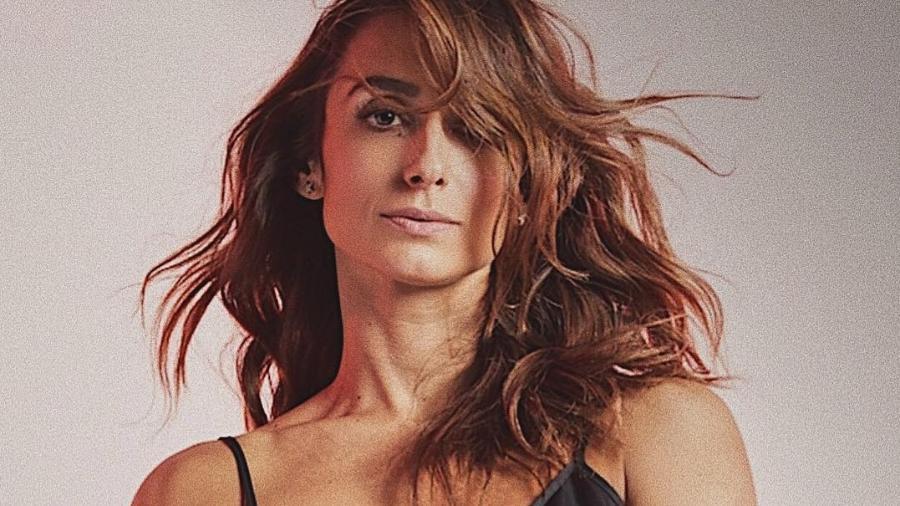 """Camila Lucciola é a garota de programa Kátiandrea de """"Segundo Sol"""" - Reprodução/Instagram"""