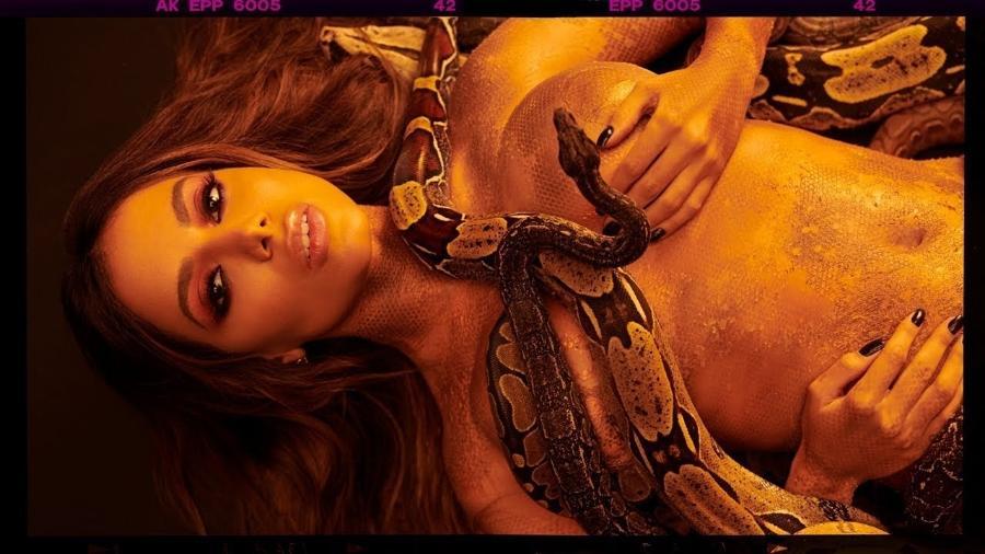 """Anitta em cena do clipe """"Veneno"""" - Reprodução"""