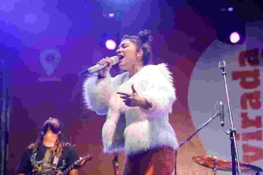 A cantora gospel Priscilla Alcantara se apresenta na praça da Sé, em palco da Virada Cultural - Marcelo Justo/UOL