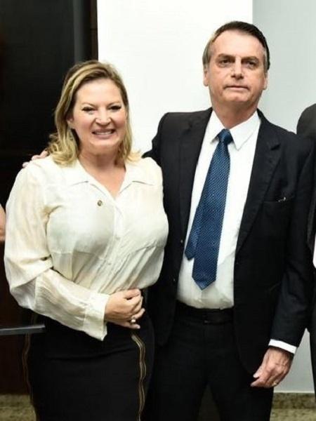 A deputada federal Joice Hasselmann (PSL-SP) com o presidente Jair Bolsonaro - Reprodução/Facebook